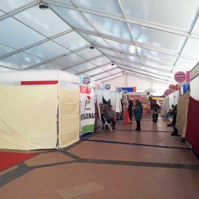 Menggunakan Tenda Roder untuk Event Pameran